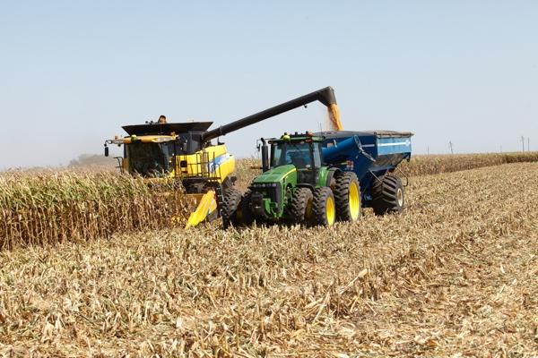Kinze Autonomous Harvest WEB